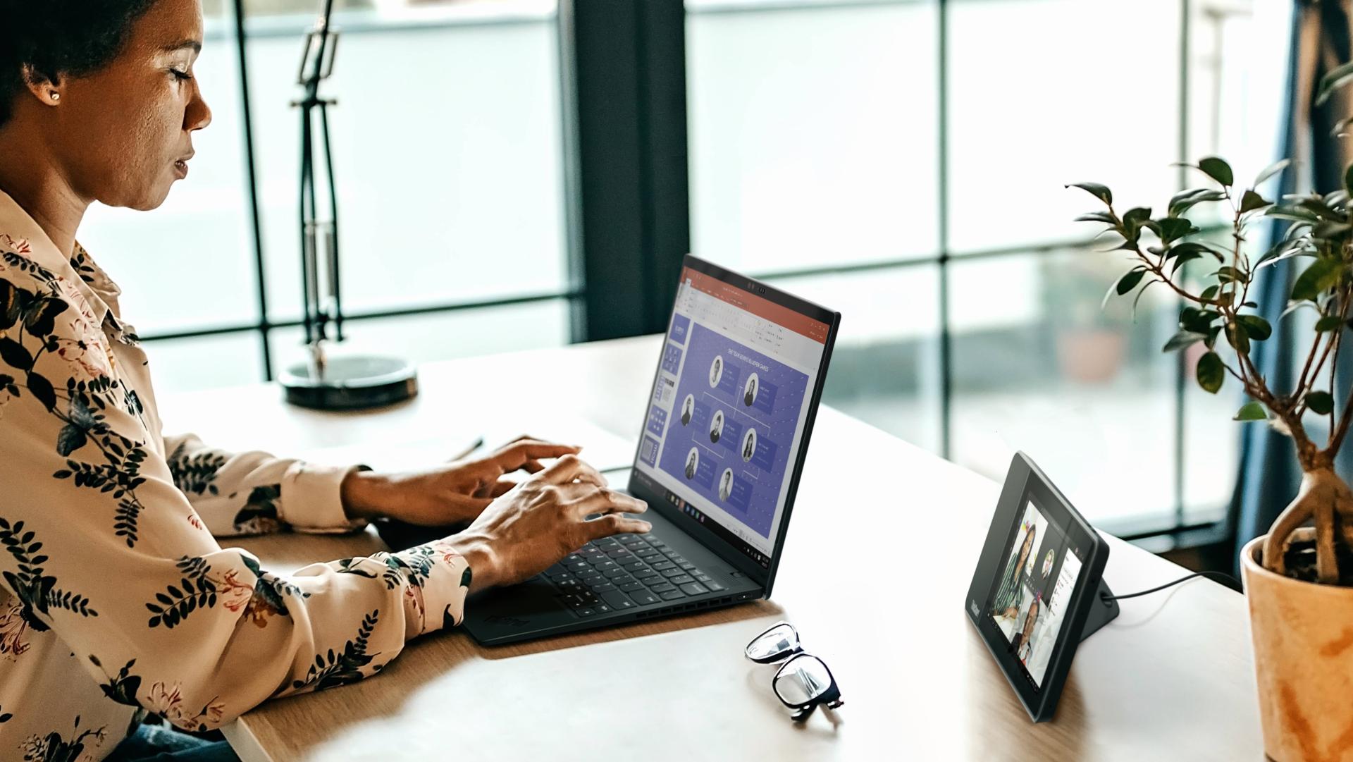 Lenovo_Tech+Employee Experience 2020 Study_2