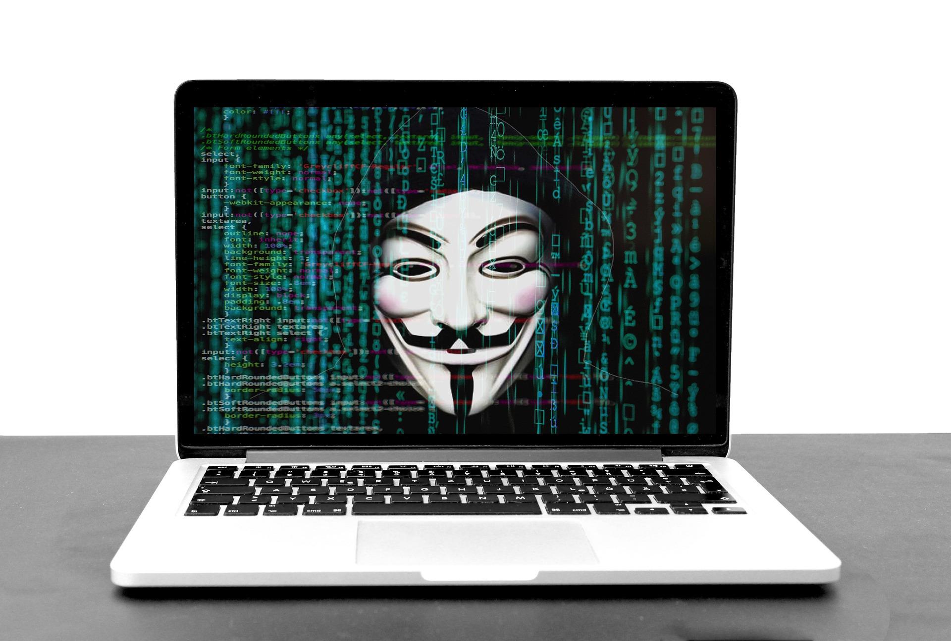 hacker-5332764_1920